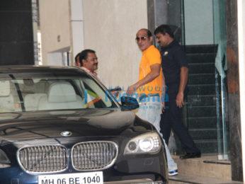 Akshay Khanna spotted at Ashutosh Govarikar's office in Khar