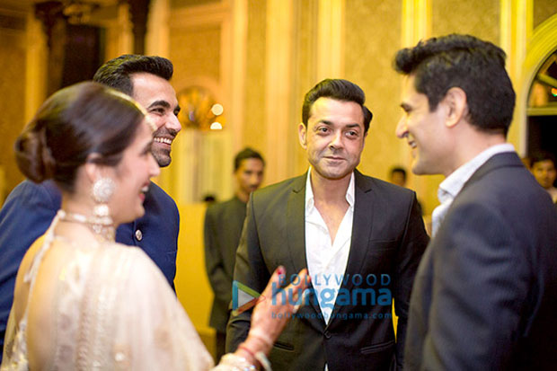 Anushka-Sharma,-Virat-Kohli-&-others-attend-Zaheer-Khan--Sagarika-Ghatge's-wedding-reception-(2)