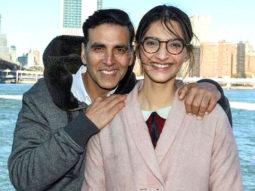 Check out Akshay Kumar and Sonam Kapoor wrap up Padman shoot in New York  (1)