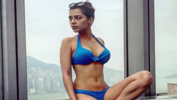 HOTNESS ALERT! Ruhi Singh looks her sexiest best in blue bikini