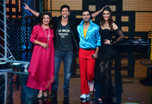 It was a riot on Lip Sing Battle with Hrithik Roshan, Kriti Sanon and Rajkummar Rao dancing together on stage (1)