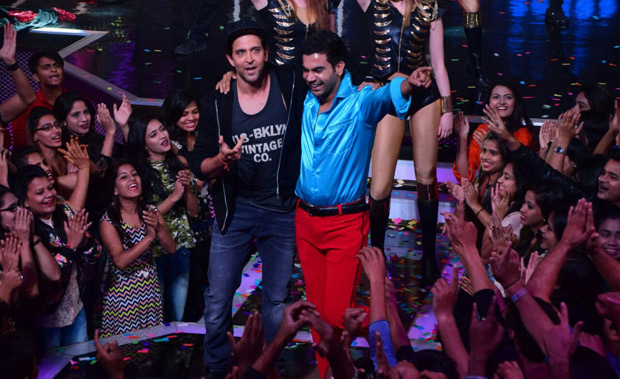 It was a riot on Lip Sing Battle with Hrithik Roshan, Kriti Sanon and Rajkummar Rao dancing together on stage (5)