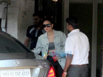 Kareena Kapoor Khan spotted after her gym session