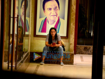 Maanayata Dutt snapped outside her apartment