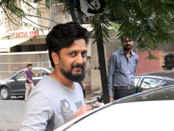 Riteish Deshmukh spotted at Starbucks in Khar-