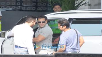 Salman Khan snapped leaving to attend IIFA 2017 in Goa