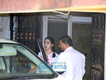 Sara Ali Khan and Ileana D'Cruz snapped at Bandra