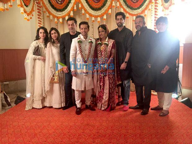 Vatsal-Seth-and-Ishita-Dutta-pose-after-their-wedding--(1)