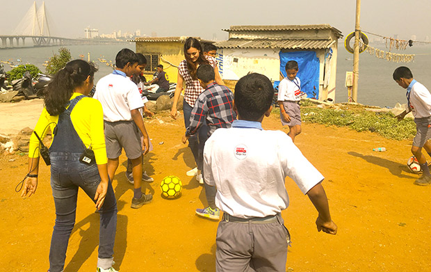 WOW! Dia Mirza celebrates Children's Day with kids from Scrappy News Service (7)