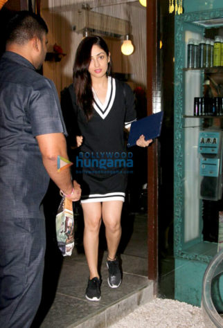 Yami Gautam and Karisma Kapoor spotted at B'blunt