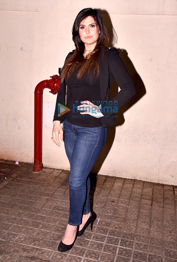 Zareen Khan hosts 'Aksar 2' screening