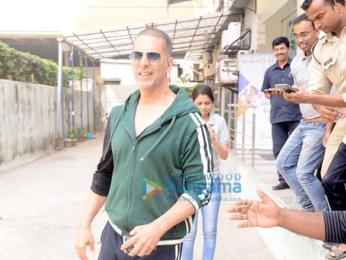 Akshay Kumar promotes 'Pad Man' in South Mumbai