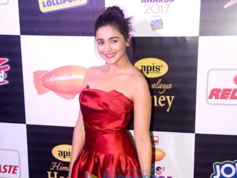 Alia Bhatt, Varun Dhawan, Ranveer Singh and Kriti Sanon grace Nickelodeon Kids Choice Awards 2017