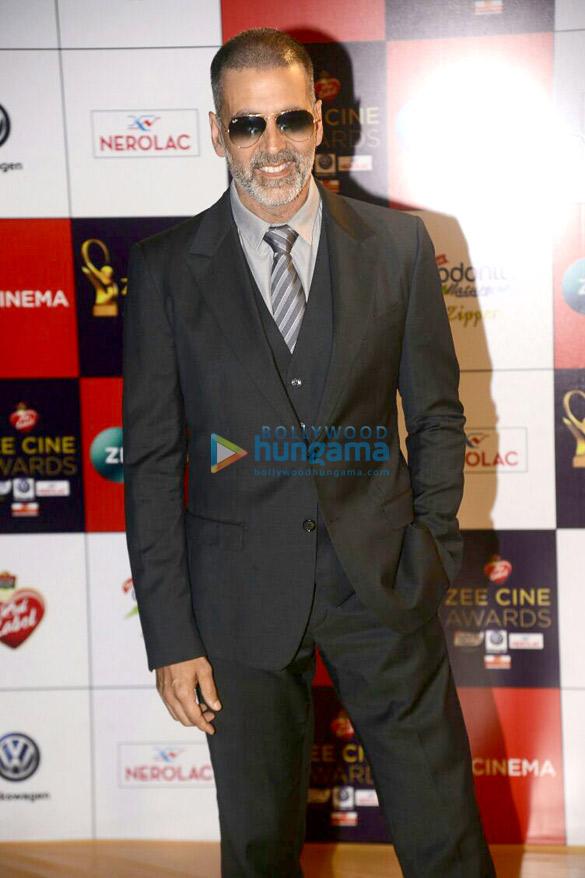 Celebs grace the red carpet of Zee Cine Awards 2018