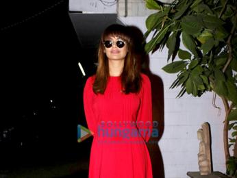 Esha Gupta snapped in Juhu