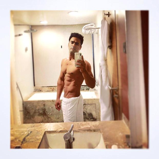 HOT! Pulkit Samrat posts a cheeky bathroom selfie after losing a bet