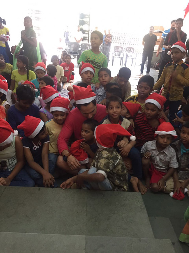 Here's how Varun Dhawan rang in his Christmas with children