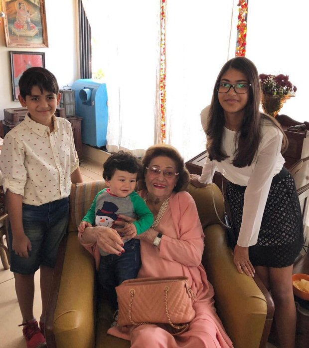INSIDE PHOTOS Taimur Ali Khan was the star at the Kapoors' annual Christmas Lunch (5)