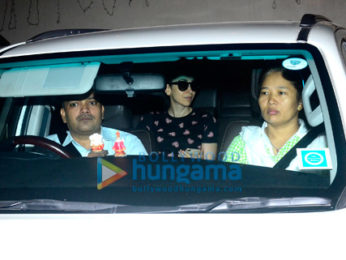 Karisma Kapoor snapped at Kareena Kapoor's place