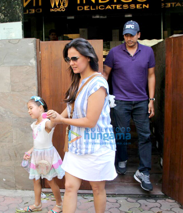 Lara Dutta dines with family at Indigo Delicatessen in Bandra