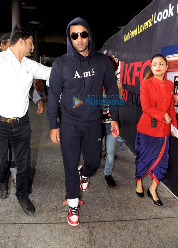 Ranbir Kapoor and Ileana D'Cruz spotted at the airport