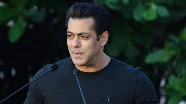 Salman Khan's FUNNY Reaction On Black Buck Controversy | Bina Kak's Book Launch
