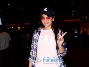 Sonakshi Sinha, Hrithik Roshan and others snapped at the airport