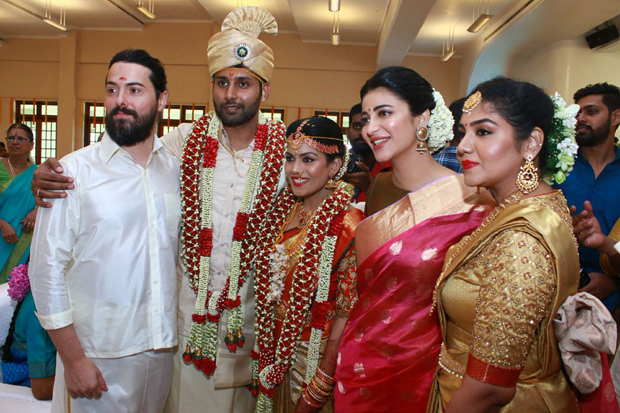 Spotted Shruti Haasan attends a friend's wedding with father-superstar Kamal Haasan and beau Michael Corsale