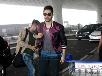 Varun Dhawan, Kriti Sanon and others snapped at the airport