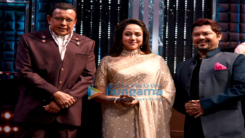 Hema Malini snapped on the sets of Dance India Dance