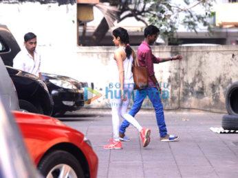 Janhvi Kapoor snapped at gym