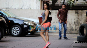 Jhanvi Kapoor, Aayush Sharma and Sophie Choudry snapped in Mumbai