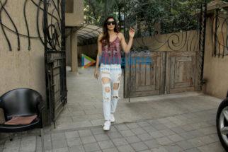 Kriti Sanon and Harshvardhan Kapoor snapped at B-Blunt in Juhu