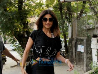 Shilpa Shetty and Divya Dutta snapped at Kromakay