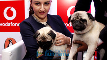 Soha Ali Khan graces reading session of her book 'Moderately Famous' at Vodafone gallery