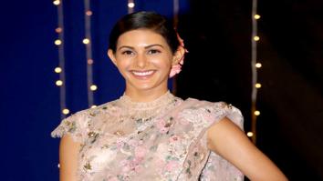 Amyra Dastur snapped sporting a vintage saree look