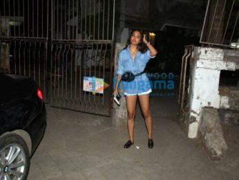 Esha Gupta snapped at Kromakay salon in Juhu