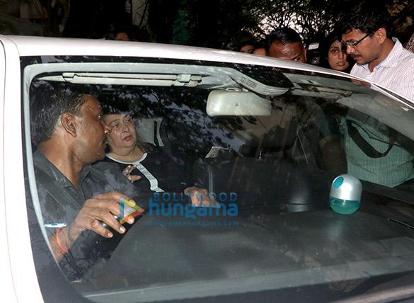 Farhan Akhtar and his mother, Saroj Khan, Ritesh Sidhwani and Farah Khan snapped at Anil Kapoor's house7