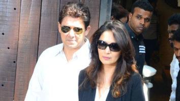 Farhan Madhuri Farah & Other TOP Stars Visit Anil Kapoor's House To Pay Tribute To Sridevi