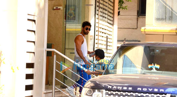 Ranbir Kapoor spotted after dance rehersals in Khar (2)