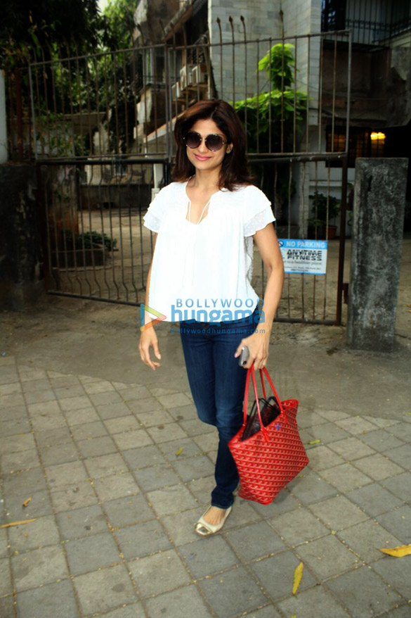 Shamita Shetty snapped at Kromakay in Juhu
