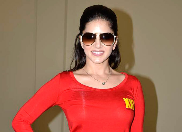 Sunny Leone PROTECTS a farmer's land by turning into a scarecrow!