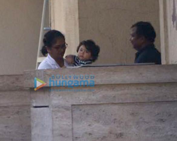 Taimur Ali Khan spotted at Amrita Arora's house (4)