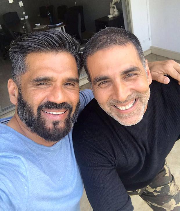 OMG! Akshay Kumar and Suniel Shetty have a Hera Pheri reunion and it is making everyone nostalgic