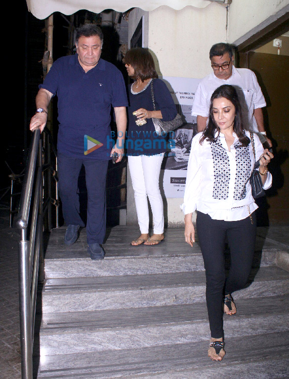 Rishi Kapoor and Neetu Singh snapped at PVR Juhu (3)