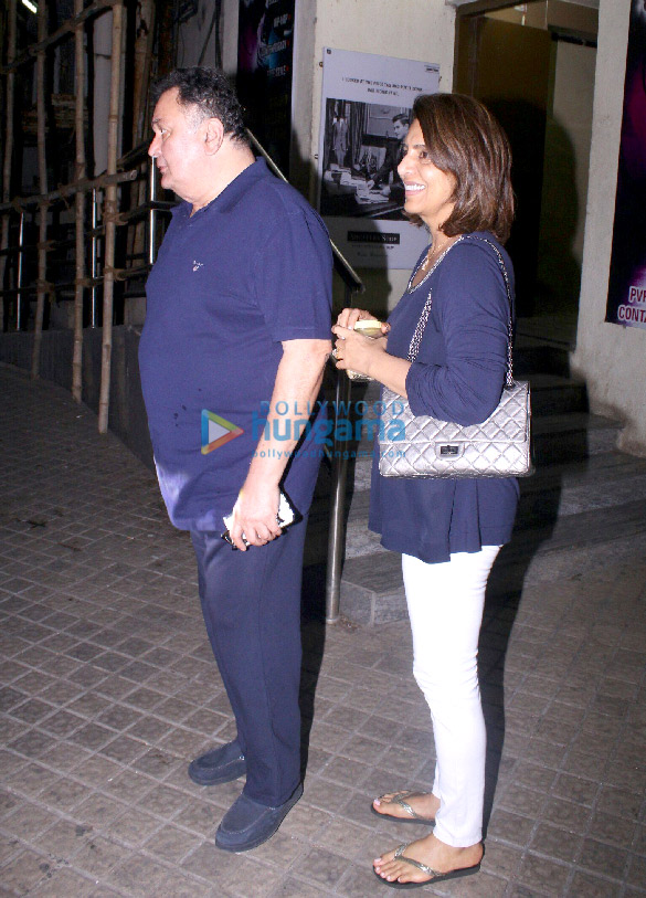 Rishi Kapoor and Neetu Singh snapped at PVR Juhu (6)