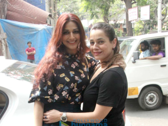 Sonali Bendre and Neelam Kothari spotted at Pali Village Cafe