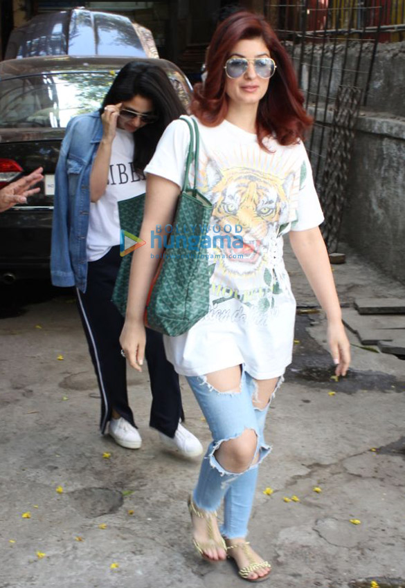 Twinkle Khanna snapped with her sister Rinke Khanna at Kromakay salon in Juhu