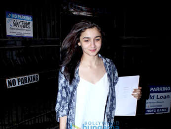 Alia Bhatt snapped with her mother at Kromakay salon in Juhu