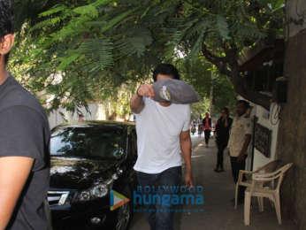 Arjun Rampal spotted at Hakim Aalim's in Bandra